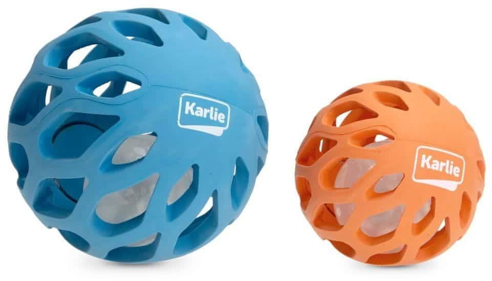 Karlie gumowa kula ażurowa ze światłem LED 11,5 cm niebieska - 1 zdjęcie